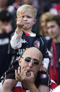 translation not available – Father and son. Uefa Cup Final. Feyenoor Rotterdam - Borussia Dortmund. May 8th 2002